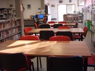 biblioteca tavoli