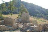 I ruderi del borgo di Capara di Sopra, località d'eccidio
